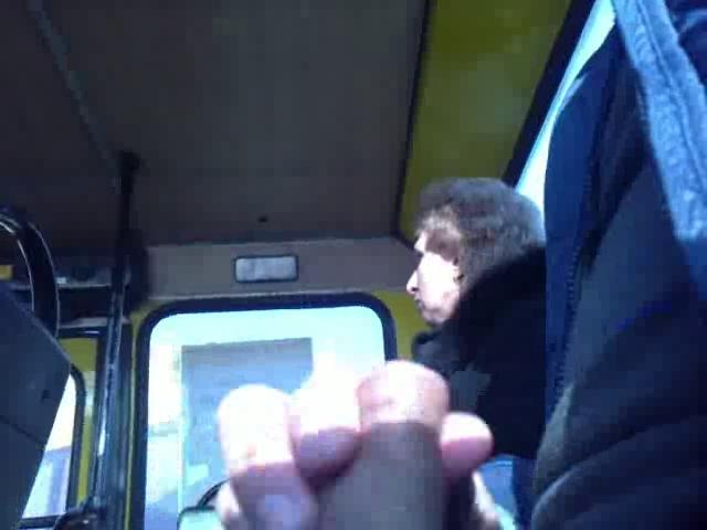 дрочка парней в автобусах - 13